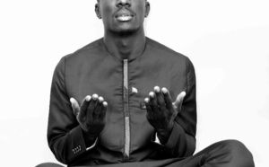 Photos : Idrissa Gana Guèye, en mode prière, AMINE