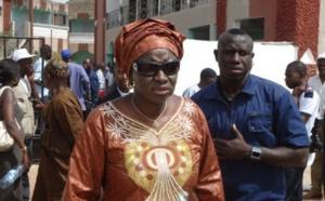 Accusée par Gackou, Mimi Touré réplique : Il n'y a pas eu d'agression  ( Vidéo )
