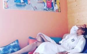 Ndeye Ndack croque la vie à Blue Bay de Lamantin Beach