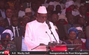 """VIDEO - Macky Sall à Farafégné: """"Plus qu'un pont, cette infrastructure porte le symbole du lien de fraternité sénégambien"""""""