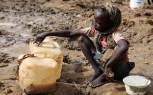 Le manque d'eau potable tue trois fois plus d`enfants que la violence