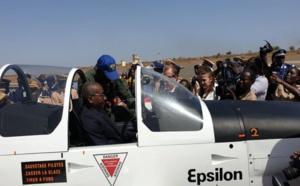 Vidéo/ Le Ministre Sidiki Kaba en mode pilote, dans l'aéronef réceptionné par l'Ecole de l'Armée de l'Air de Thiès
