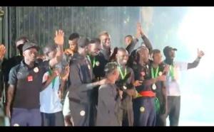 Video - Les lions ovationnés par le public au Palais Présidentiel