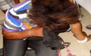 Coups et blessures volontaires: Elle s'agrippe aux t*sticules de son ex-mari et perd huit dents