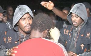VIDEO - Regardez l'entrée musclée de Wally SECK au concert de MBAO