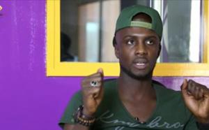 """VIDEO – En colère, Abba no stress s'attaque à une célébrité: """"Tu te prends pour qui ? Tu vas le regretter"""""""