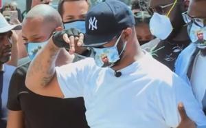 VIDEO - Le frère de George Floyd lance un appel au calme