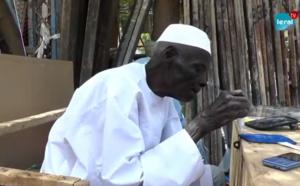 Spécialiste de la vitrerie et de la miroiterie: Mame Mor, 93 ans, se voit encore jeune derrière le miroir