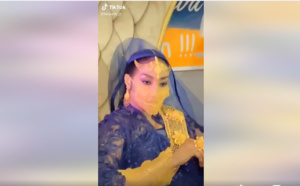 Magal 2021: Adja Ngoye Fall Madame Touré Masque en or ceinture lak...