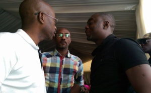 Elhadj Talla, Chargé de missions de Cheikh Amar, présentant Kader Ndiaye, le vice-président de Holding Amar, au maire de Ross Béthio, Amadou Bécaye Diop.