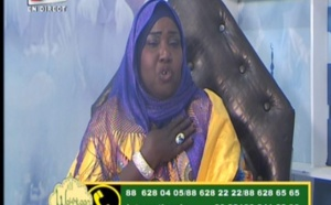 Vidéo - Très émouvant : Adja Fatou Binetou Diop de la Tfm fond en larmes en parlant de sa mère
