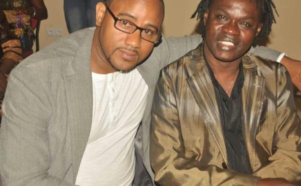 Dj Rakhou, patron du restaurant Pointe des Almadies, à Paris, avec Baba Maal