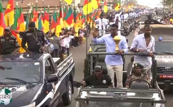 """Vidéo: Les """"Lions indomptables"""", bien accueillis à Yaoundé...Regardez!"""