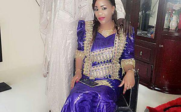 Voilà la femme de Baba Tandian, regardez.