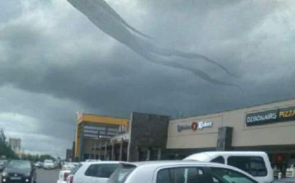 Une étrange forme humaine est apparue dans le ciel en Zambie