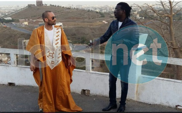 Image  du tournage du nouveau clip Ndillemene de Alioune Guisse  qui danse le Wango avec son partenaire américain  Paul Clingtone