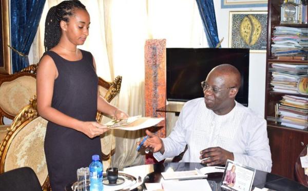 Arrêt sur image -Le Président de Promo et du MEDS, Mbagnick Diop dans son bureau