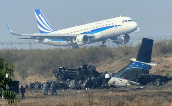 Le pilote menace de crasher l'avion...pour une affaire de cigare