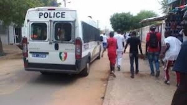 Insolite à Louga: Il vole un téléphone portable dans les locaux de...la police !