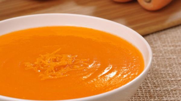 Soupe de carottes à l'orange au gingembre et cumin