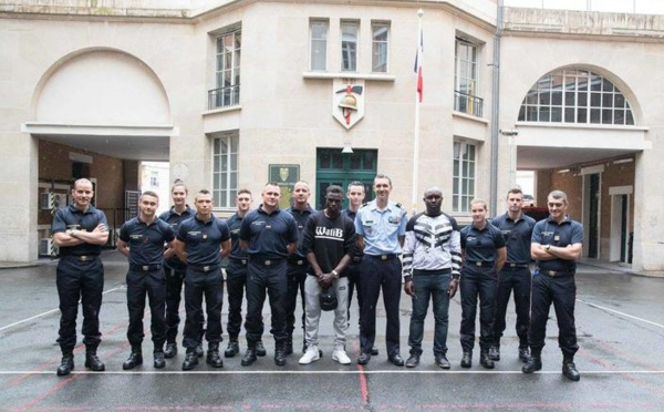 (7 photos) : Mamoudou Gassama intègre les sapeurs-pompiers