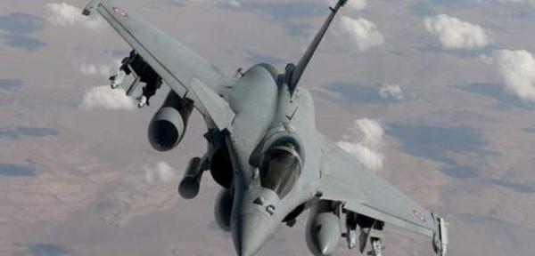 Privé de WC et furieux, il provoque le décollage de deux avions de chasse