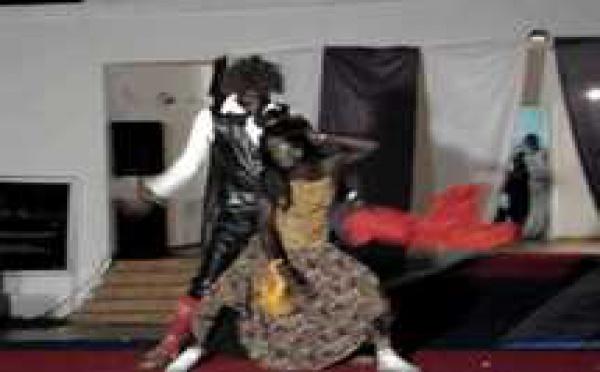Mor Talla SOW (Pére Bou Khaar) danse l'Indu