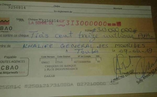 """Université de Touba : le Khalife reçoit un """"Adiya"""" de 313 millions de Wa Keur Serigne Fallou"""