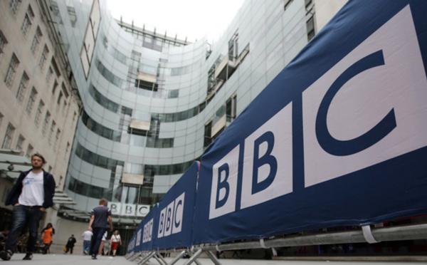 QUAND LES ACTEURS POLITIQUES SE PROSTERNENT DEVANT BBC : Pouvoir et opposants complexés ! (Mamadou Mouth BANE)