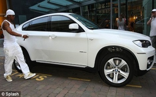 Photo : El Hadji Diouf et sa BMWX6