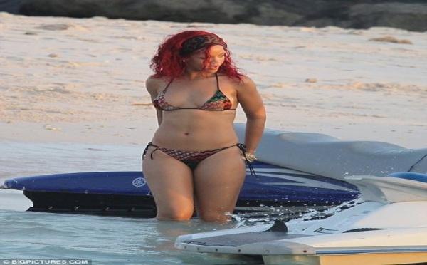 Photo : Le maillot de bain hot et sexy de Rihanna