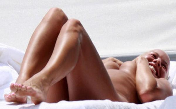 Photo : Amber Rose, l'ex copine de Kanye West, nue sur la plage