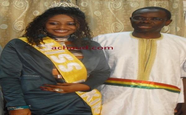 Miss Dakar avec Pape Sagna Mbaye maire de Pikine
