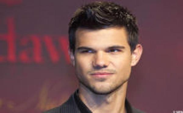 Taylor Lautner: Loup-garou et … gay?