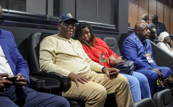 PHOTOS - Dakar Arena: Macky Sall très attaché à sa fille adorée Ndèye Driss Sall