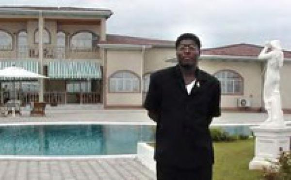 Le fils du président Equato-guinéen fait la bamboula avec ses joueurs dans les vestiaires