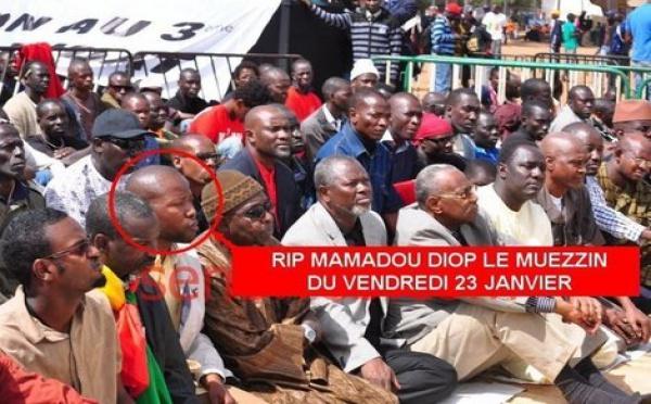 [Photo] L'étudiant Mamadou Diop, était le muezzin Lors du vendredi 23 Janvier  à la place de l'Obélix