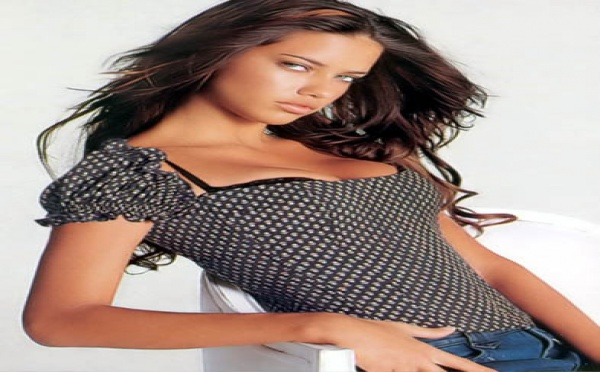 Adriana Lima : La bombe parle d'amour...