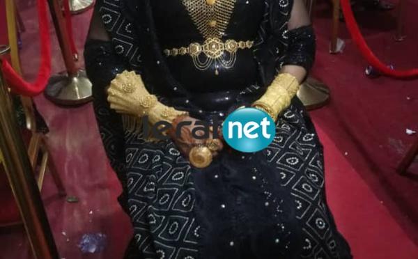 (PHOTOS): Ngoye, la femme d'Askia revient avec une ceinture en or de 8 millions de FCfa.