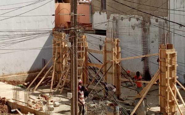 (Photos ) - Mamelles: La construction d'un immeuble R+7 inquiète les populations