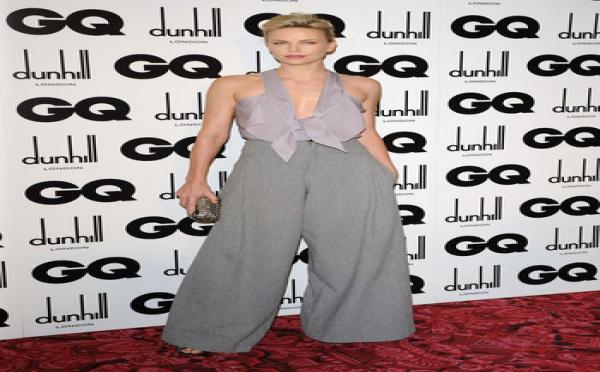 Charlize Theron avec Alexander Skarsgard ?