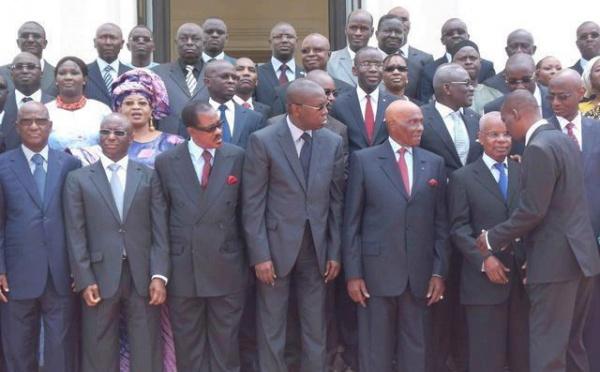La photo d'Adieu du dernier gouvernement de l'alternance de 2000.