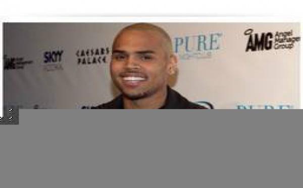 Chris Brown devient séducteur avec Sweet Love