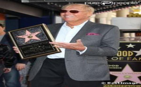 Adam West : Le premier et légendaire Batman reçoit la plus célèbre des étoiles