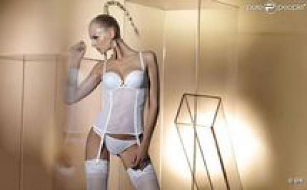 Nastua Kunskaya : La sexy Russe se dévoile en lingerie Parah