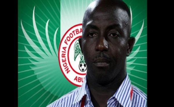 Un ex entraîneur nigérian quémande de l'argent après avoir été banni à vie par la FIFA