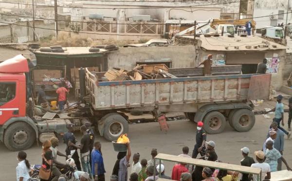 Kaolack - Les premières images de l'opération de désencombrement organisée par le préfet
