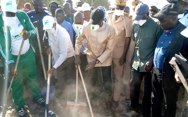 PHOTOS - Cleaning Day: La tournée de Boun Abdallah Dionne dans les 6 communes de son département
