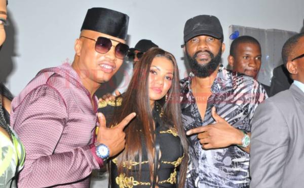 PHOTOS - El Hadji Diouf et son épouse Valérie en toute complicité avec le chanteur Faly Ipupa