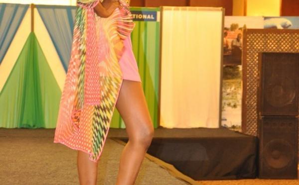 Fatoufine Niang toujours très sexy sur podium